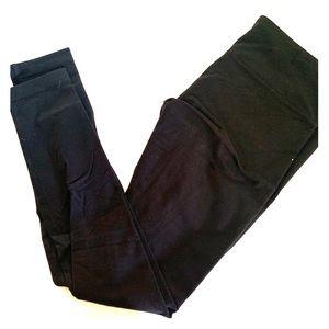 BLACK Wonder Under lululemon leggings